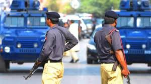 Photo of کراچی میں 10 لاکھ روپے کی ڈکیتی، پولیس کے پہنچنے پر 25 لاکھ میں تبدیل